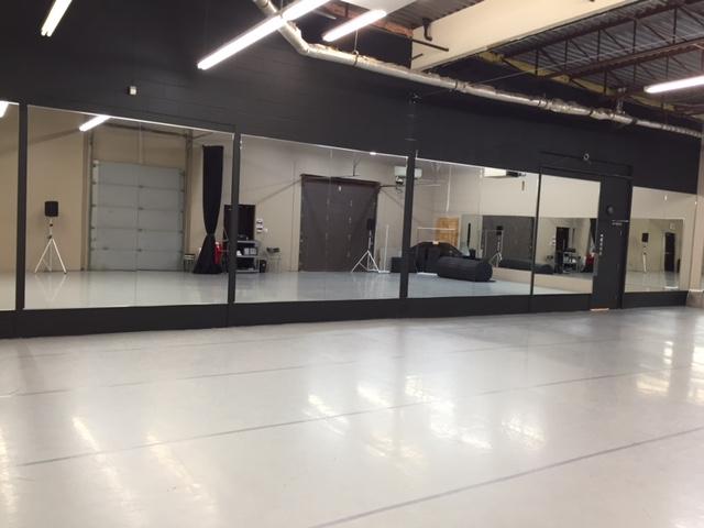 studio2_mirrorwall.JPG